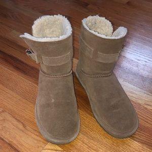 Bearpaw lined suede booties